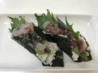 ウミタナゴの親子手巻き寿司