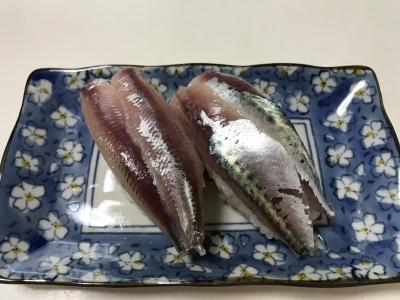 マイワシとゴマサバの握り寿司