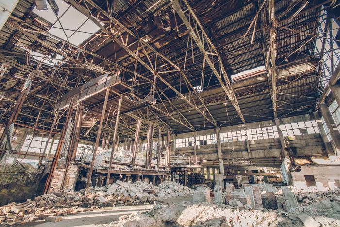 20180321_abandoned_glass_factory_11.jpg