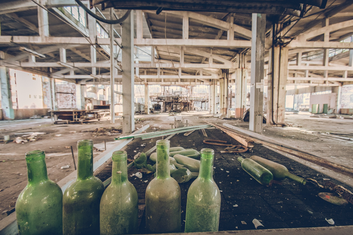 20180321_abandoned_glass_factory_16.jpg
