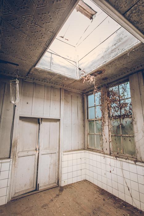 20180411_abandoned_clinick_14.jpg