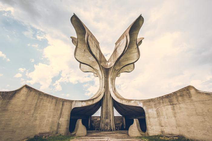 20180519_flower_monument_yugoslavia_6.jpg