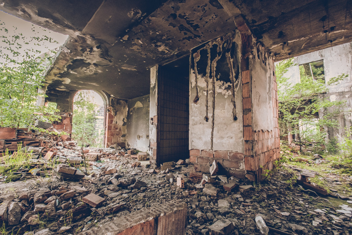 20180519_sarajevo_abandoned_shoppingmall_11.jpg