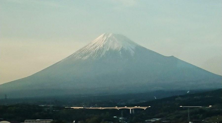 29873066_416327285445654_9174205999273264533_o新幹線三島からの富士山