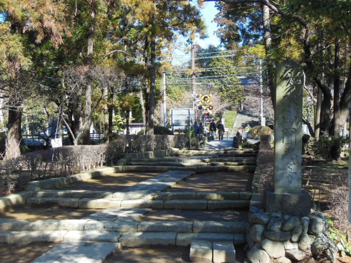 円覚寺遠景(横須賀線)