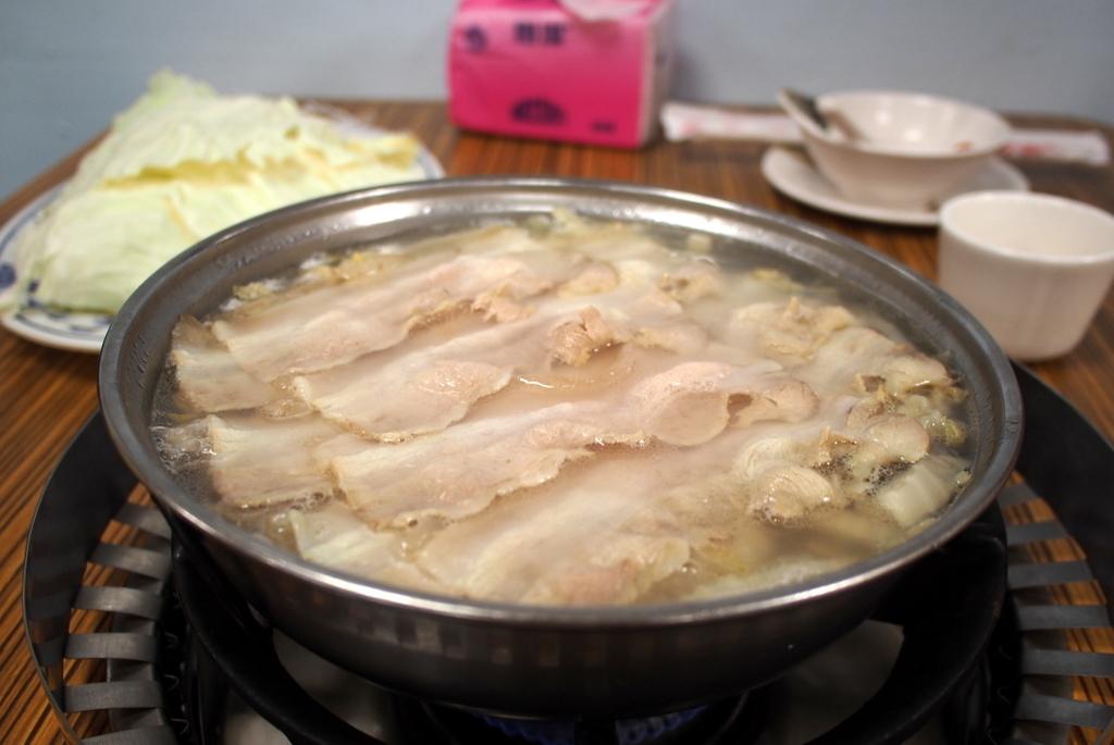 ■ 長白小館 酸菜白肉火鍋