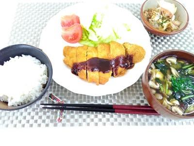 Akio屋の豚カツ定食