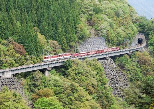 1024px-Oigawa_Ikawa_Line_ABT.jpg