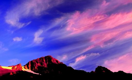 16-茜雲と岩峰