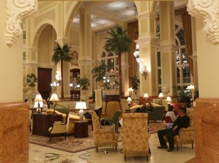 disney hotel restaurant041018 (3)