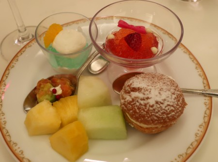 disney hotel restaurant041018 (8)