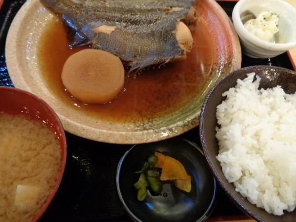 4/22 満まる・カレイ煮付け定食