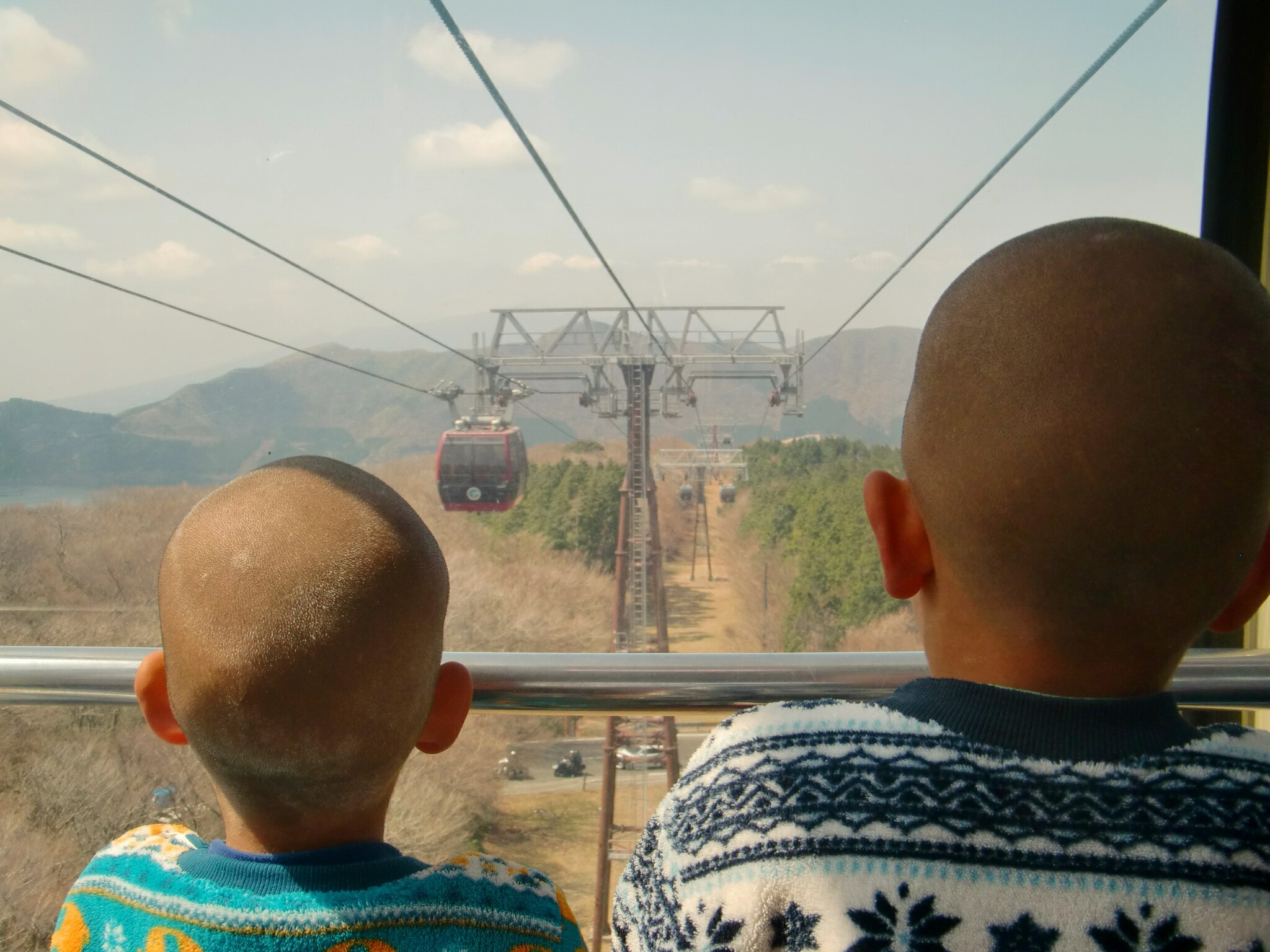 箱根ロープウェイ 進行方向の前面がおすすめ