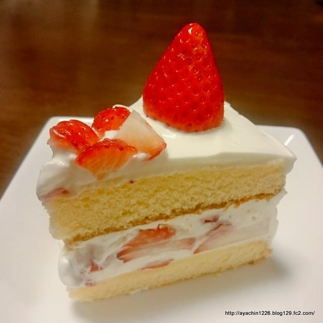 18.04.24いちごのケーキ1