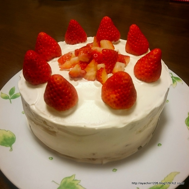 18.04.24いちごのケーキ4