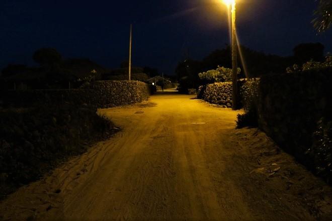 竹富島の夜の集落_01