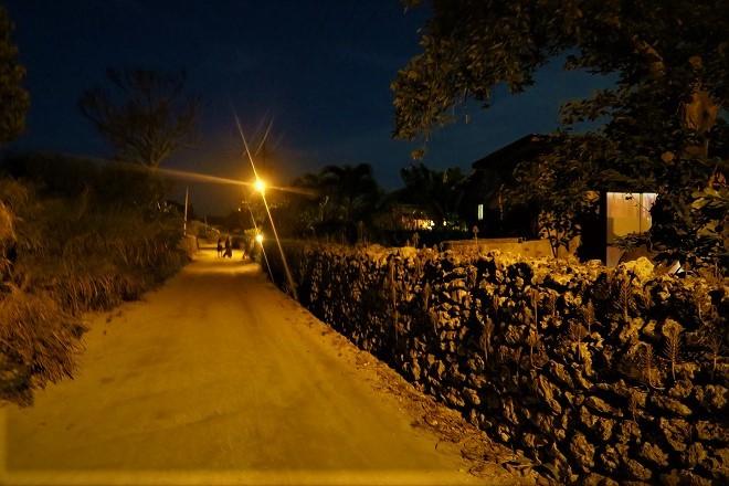 竹富島の夜の集落_02