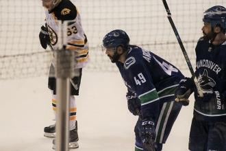 16Canucks VS Boston18選手IMG_0300