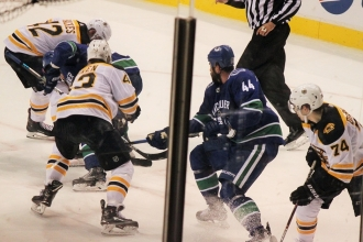 17Canucks VS Boston18選手IMG_0312