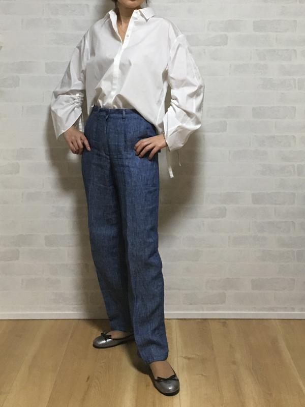 ヴィンスの袖口シャーリングのシャツと19-70の麻デニムのワイドパンツ