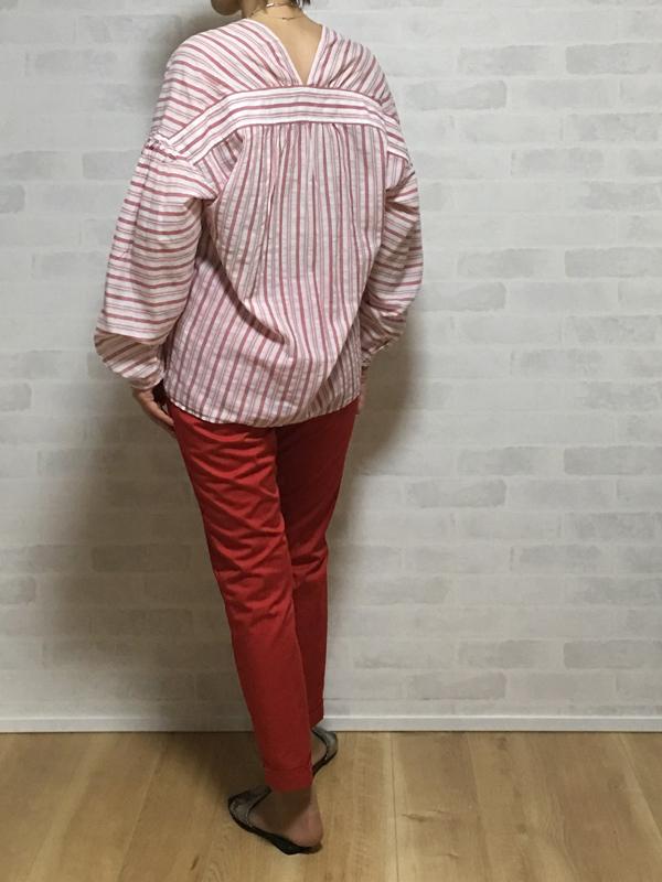 ヴィンスのストライプの綿100%のVネックシャツブラウス