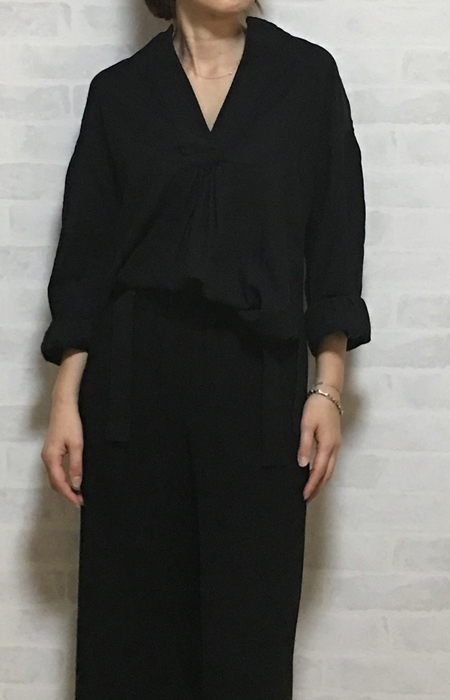 ヴィンスのガーゼみたいな風合いのシャツブラウス