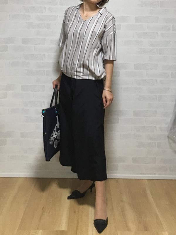 ヴィンスのコットンの巻きスカートみたいなガウチョパンツとパシオーネのストライプのブラウス