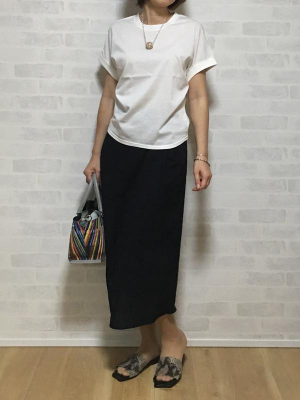ヴィンスのコットンのアシメトリーラインのスカート