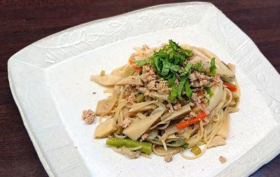 筍とそぼろ豆腐のスパゲッティ