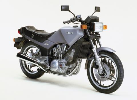1982_XZ400.jpg
