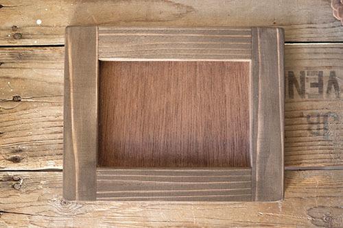 ナチュラルな木製アレンジフレーム
