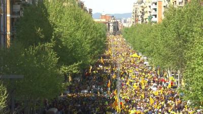 Da0hZF0WAAE5glG再び大きな市民による民主主義的なデモ