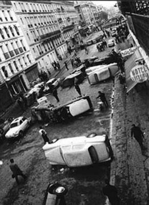 DcJB8cSU8AIapja50年前、1968年5月のパリ。