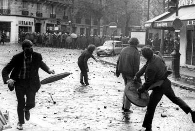 DcJCYe6U0AASsbC50年前、1968年5月のパリ。