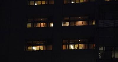 1SSuMOZQ東京入管で2名の収容者が自殺未遂との知らせ。
