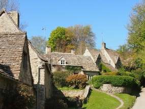 bibury_cottage_cotsworld.jpg