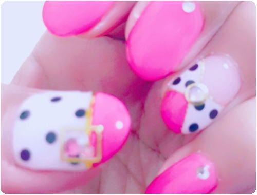 ピンク×ドットネイル