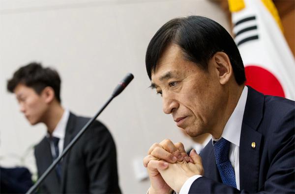 韓国メディア、韓日通貨スワップ「歓迎」…「早いほど良い」