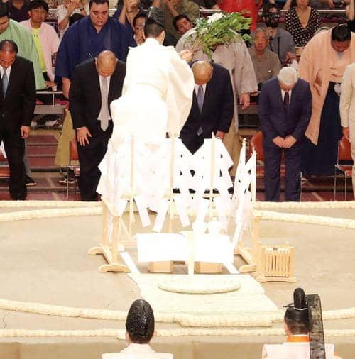 土俵上の女人禁制を守れ!相撲は豊作祈願の神事で土俵は祭場・マスゴミの狙いは女系天皇=皇統破壊