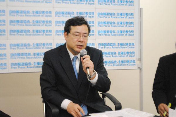 中司宏・前枚方市長。「自白調書にサインしたのは人生最大の悔い」と力なく語る。(8日、自由報道協会オフィス。写真:筆者撮影)。