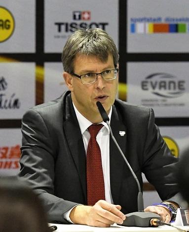 韓国と北朝鮮に買収されてトーナメントの途中で合同チーム結成を求めた国際卓球連盟(ITTF)のトーマス・ワイカート会長