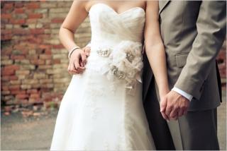 結婚式写真ポーズ_ユニーク_おしゃれ_顔から下2