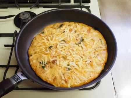 納豆チーズのオープンオムレツ054