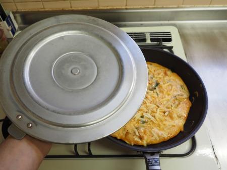 納豆チーズのオープンオムレツ055