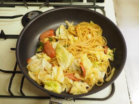 ウインナーとキャベツのスパゲテ040