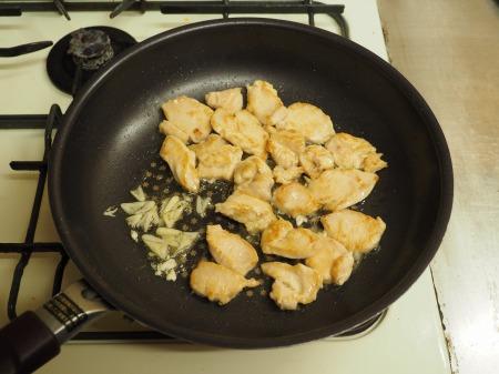 鶏むね肉の黒ごま回鍋肉062