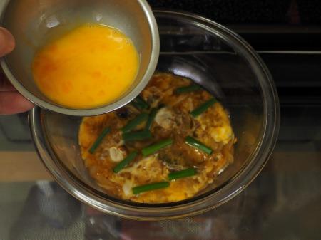 サンマ蒲焼缶詰の柳川丼046