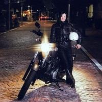 荒川静香と大型バイク2