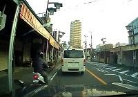 すり抜けバイク5