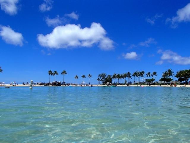 ハワイ ホノルル 旅行 海 ビーチ